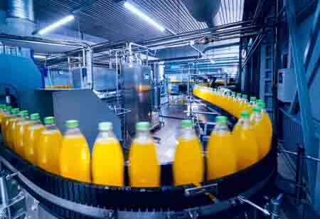 How Digital Technology Improves the Efficiency of Food and Beverage Manufacturing Plants